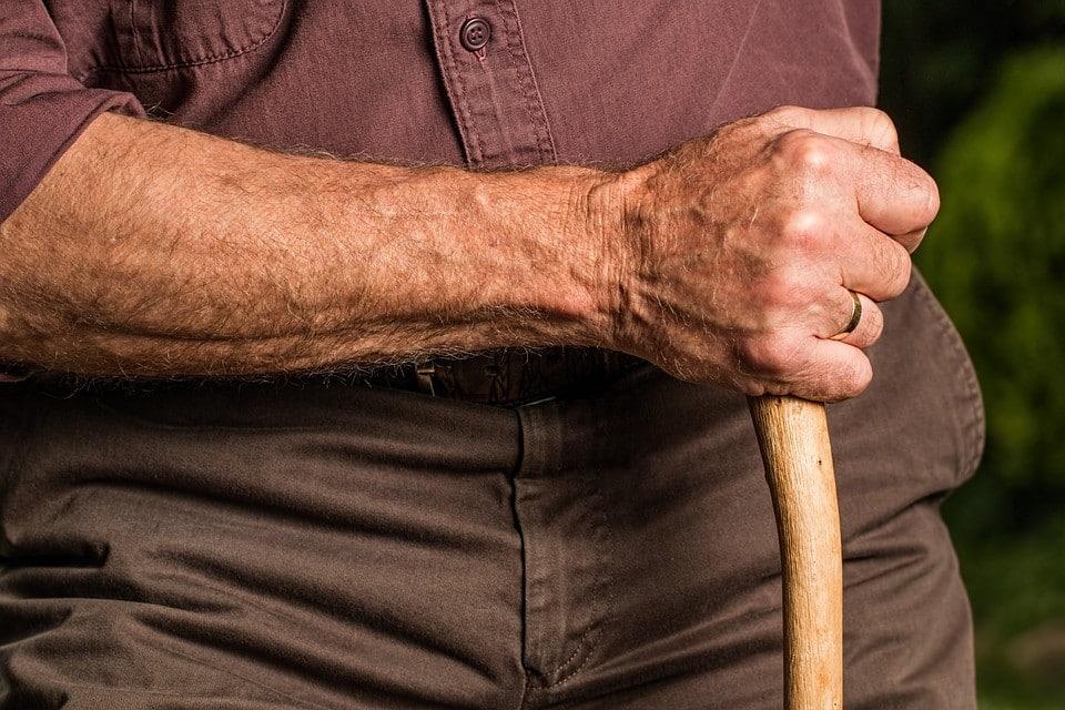 Douleur bras gauche stress : un lien à ne pas négliger