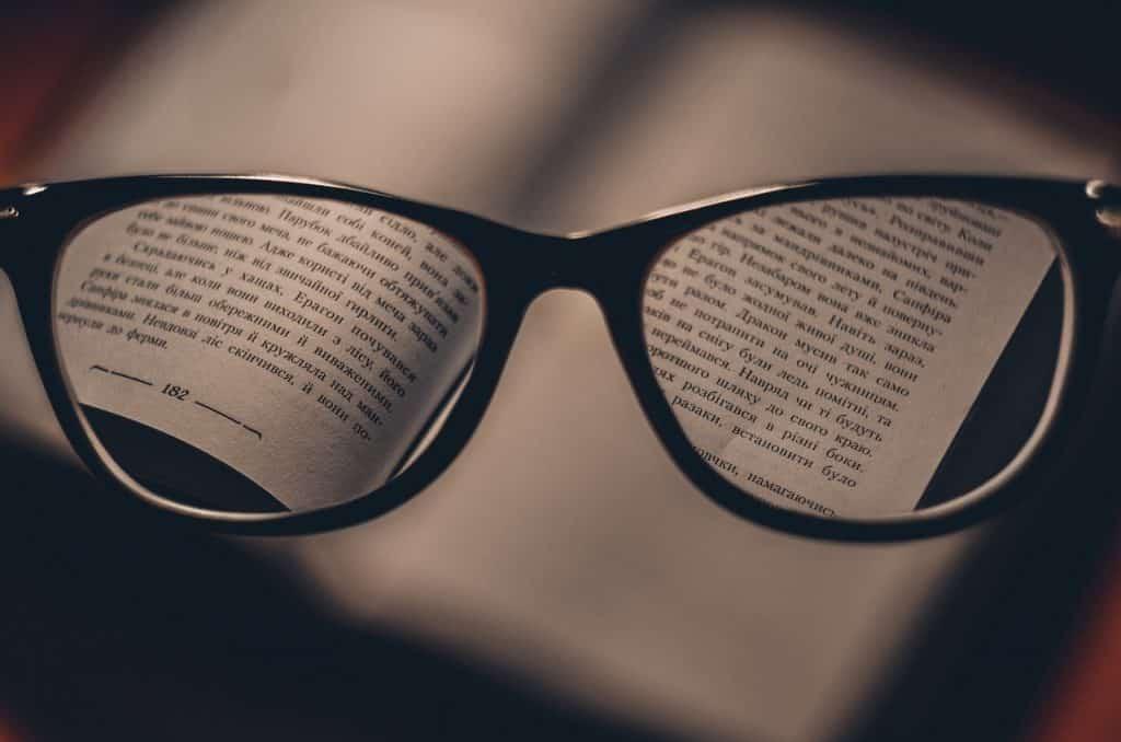 ea2a0a072bb04b Dans un premier temps, il est essentiel de prendre en compte certains  conseils avant de procéder au choix de vos lunettes de vue. Ces derniers  consistent à ...